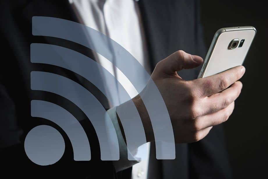 Wifi connection to smartphone