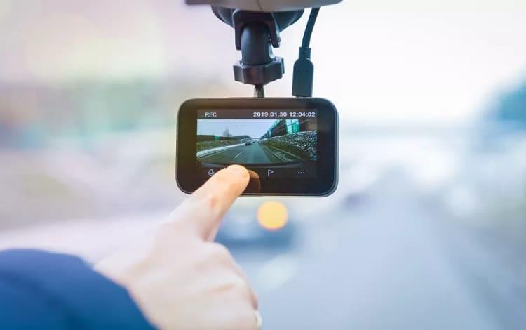 using a dashboard camera