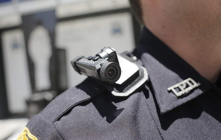 body cam on police officer