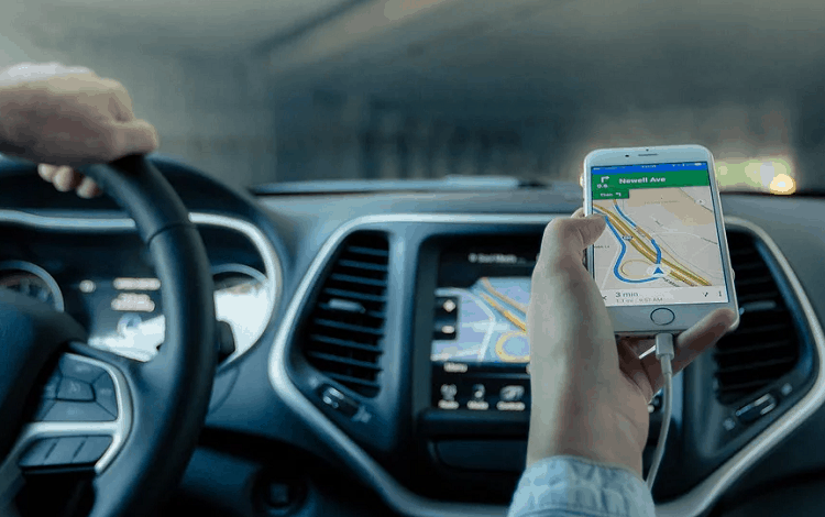 tracking car with gps